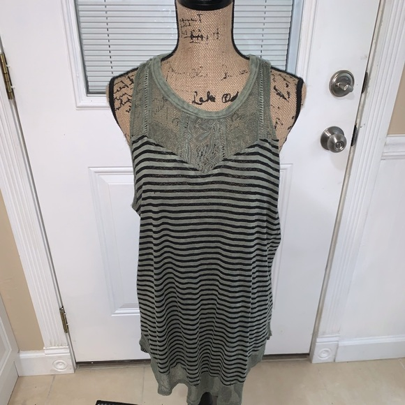 gimmicks by BKE Tops - Gimmick green and black tank with button neck